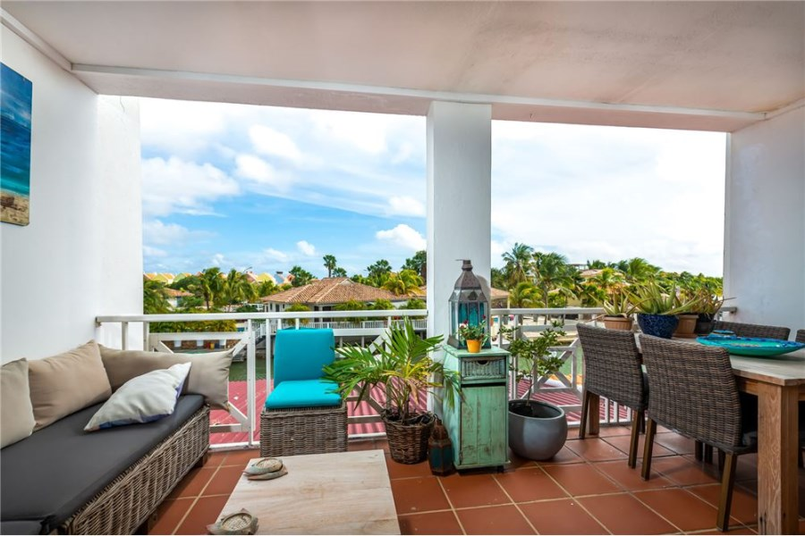 RE/MAX real estate, Bonaire, Kralendijk, Centrally located condo with great views