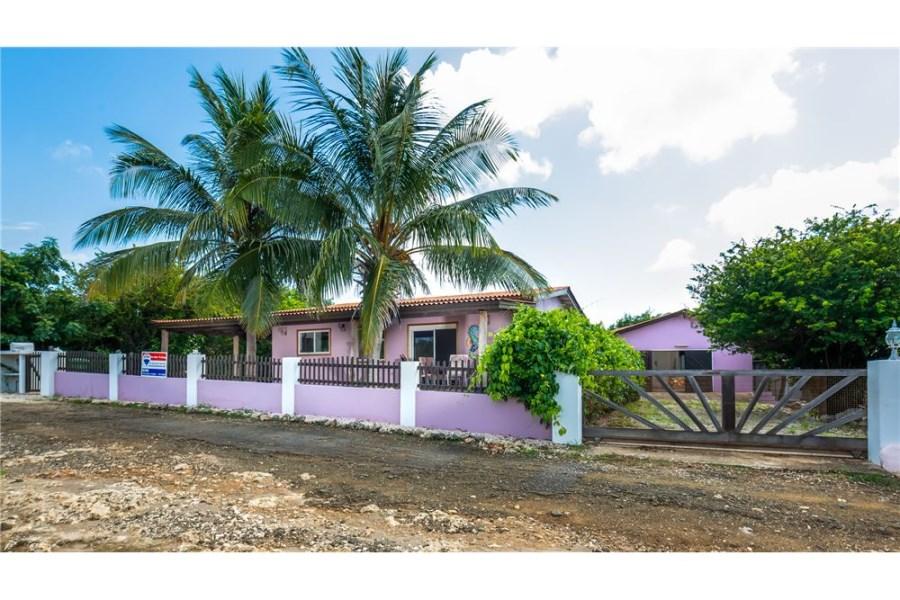 RE/MAX real estate, Bonaire, Santa Barbara, Great Family Home