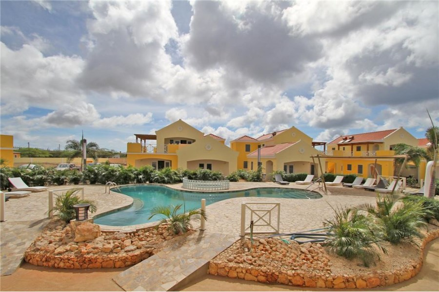 RE/MAX real estate, Bonaire, Antriol, 3 bedroom apartment - ground floor