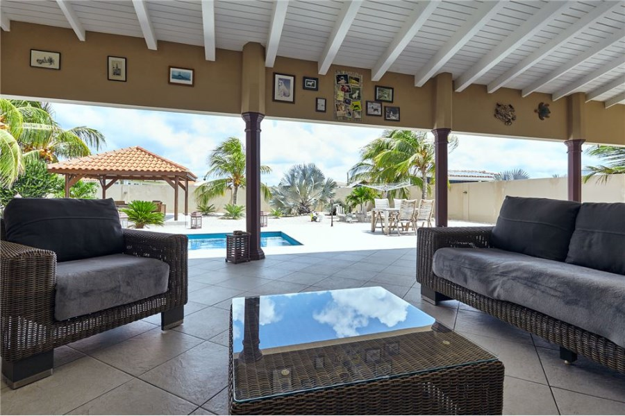 RE/MAX real estate, Bonaire, Belnem, Spacious Well Maintained Family Home