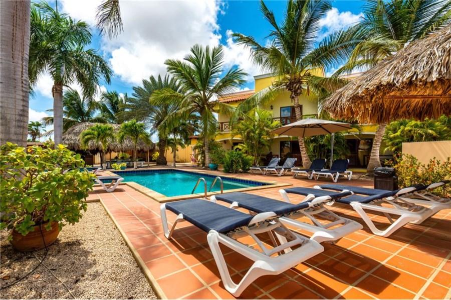 RE/MAX real estate, Bonaire, Kralendijk, Boutique Hotel Sonrisa