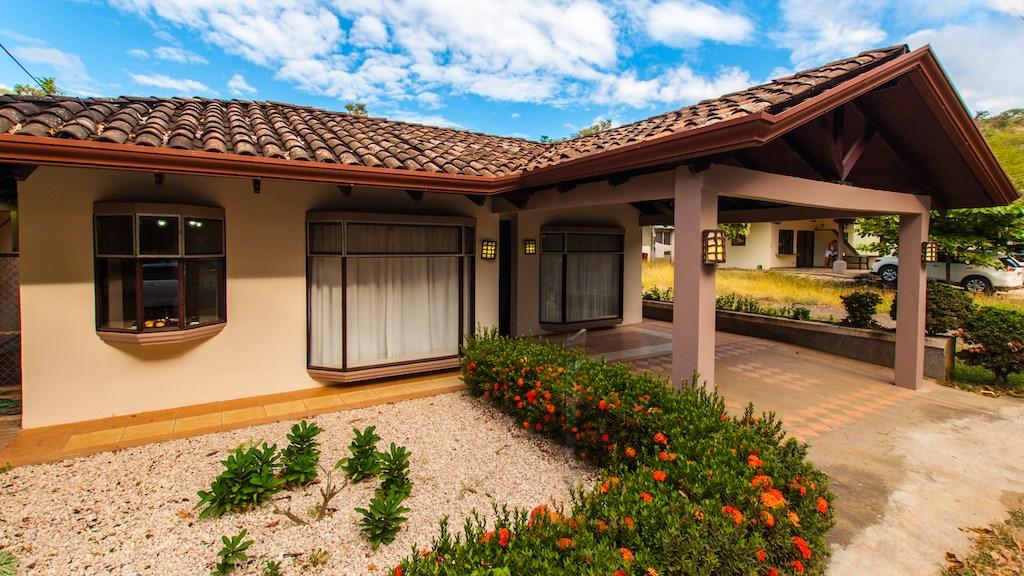 Remax real estate, Costa Rica, Sardinal, Casa Corrales