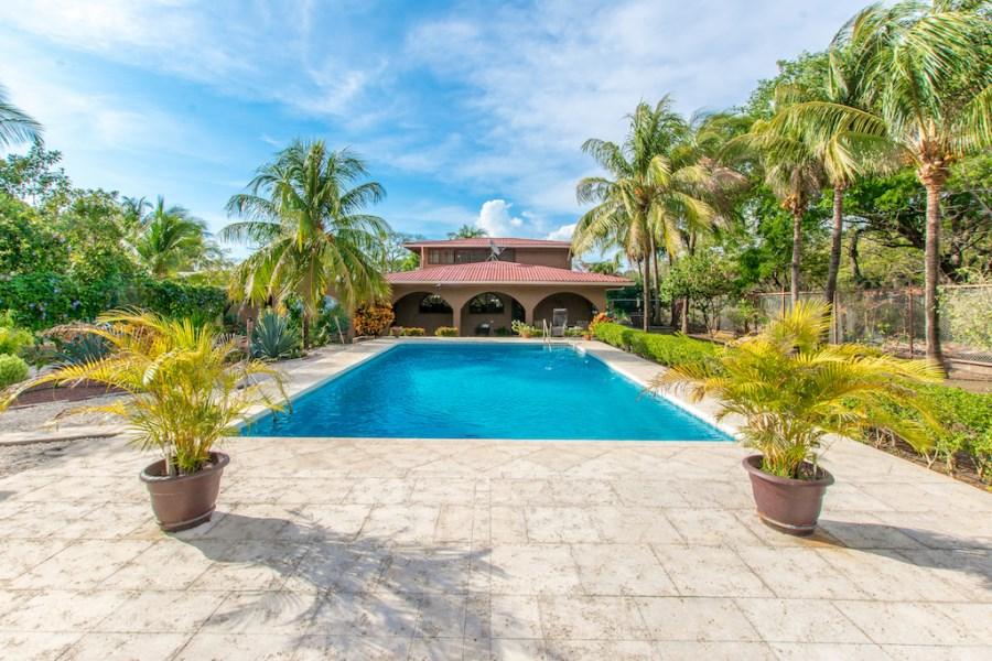 Remax real estate, Costa Rica, Playa del Coco, Casa Viviendo, Playas del Coco