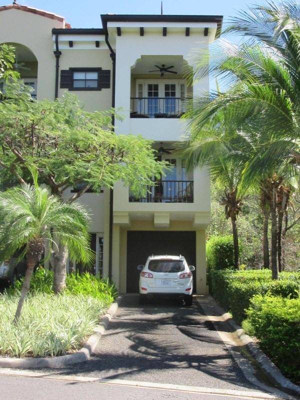 Remax real estate, Costa Rica, Playa del Coco, Pacifico Townhome TH 201