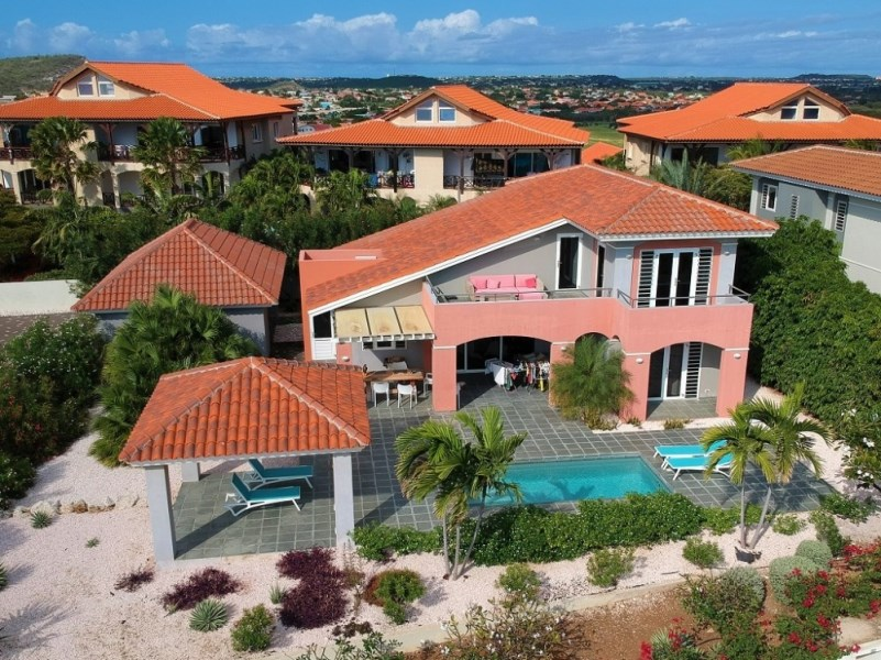 RE/MAX real estate, Curacao, Blue Bay Golf & Beach Resort, Blue Bay Resort BB-55 furnished villa with pool