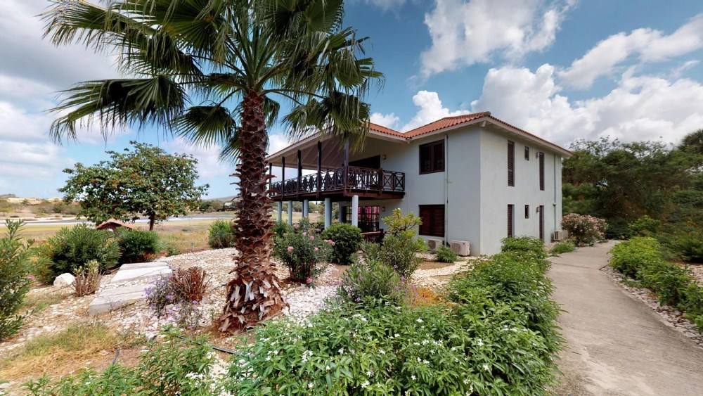 RE/MAX real estate, Curacao, Blue Bay Golf & Beach Resort, Blue Bay Village Villa 52 - Spacious villa with amazing view for sale