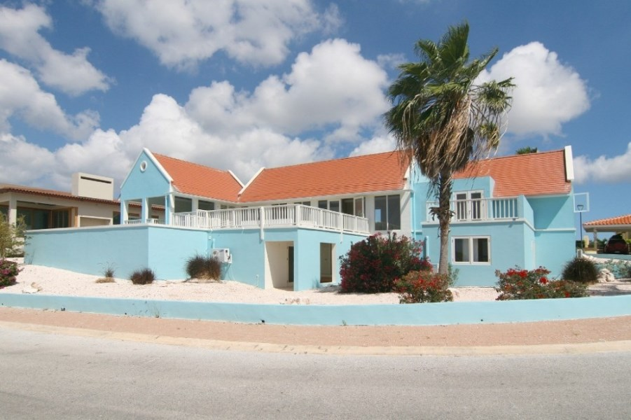 RE/MAX real estate, Curacao, Blue Bay Golf & Beach Resort, Blue Bay Golf & Beach Resort -BB-44, exclusive villa with sea view