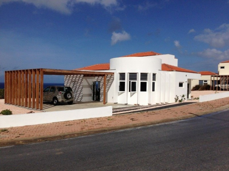 RE/MAX real estate, Curacao, Blue Bay Golf & Beach Resort, Blue Bay Resort - Villa with modern design for sale