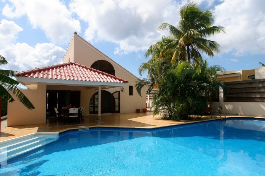 RE/MAX real estate, Curacao, Curasol, Curasol - lovely home with gorgeous private pool for sale