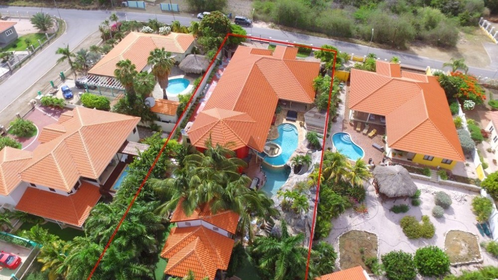 RE/MAX real estate, Curacao, Sorsaka, Sorsaka - One of a kind family home with unique sellingpoints