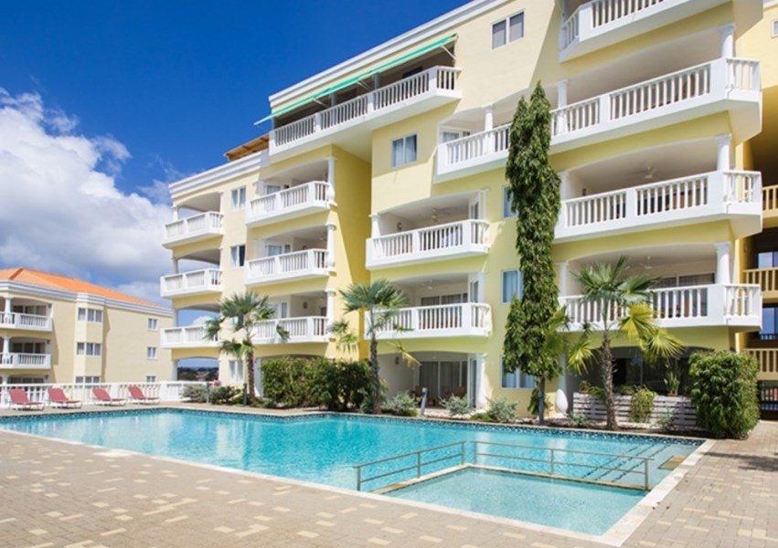 RE/MAX real estate, Curacao, Blue Bay Golf & Beach Resort, The Hill 11 - Beautiful 1 bedroom condo for sale at great price!