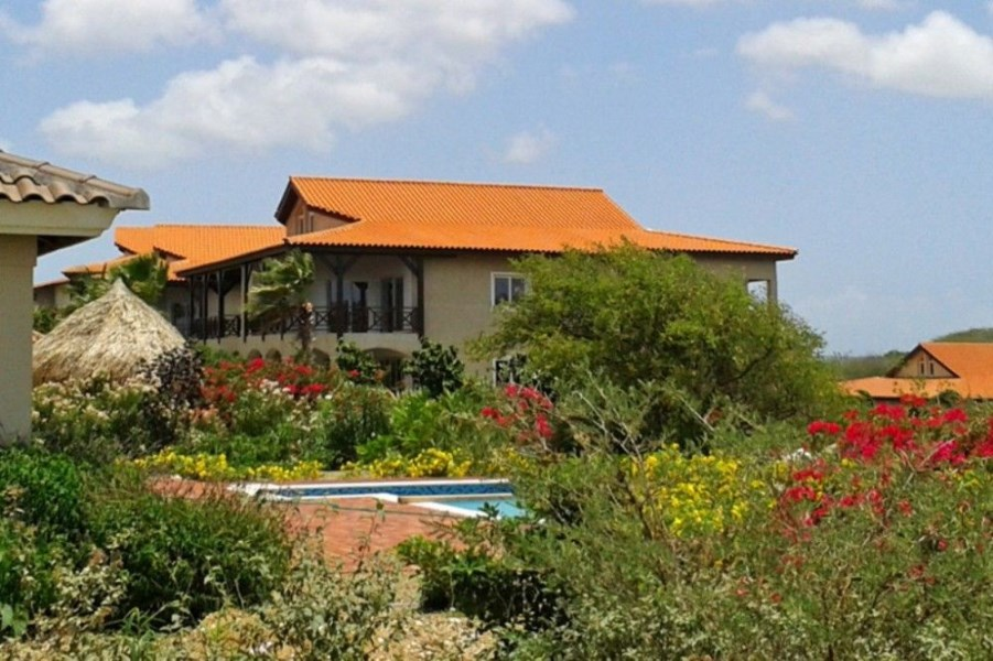 RE/MAX real estate, Curacao, Blue Bay Golf & Beach Resort, Blue Bay - Residence Le Bleu - Penthouse Apartments For Sale