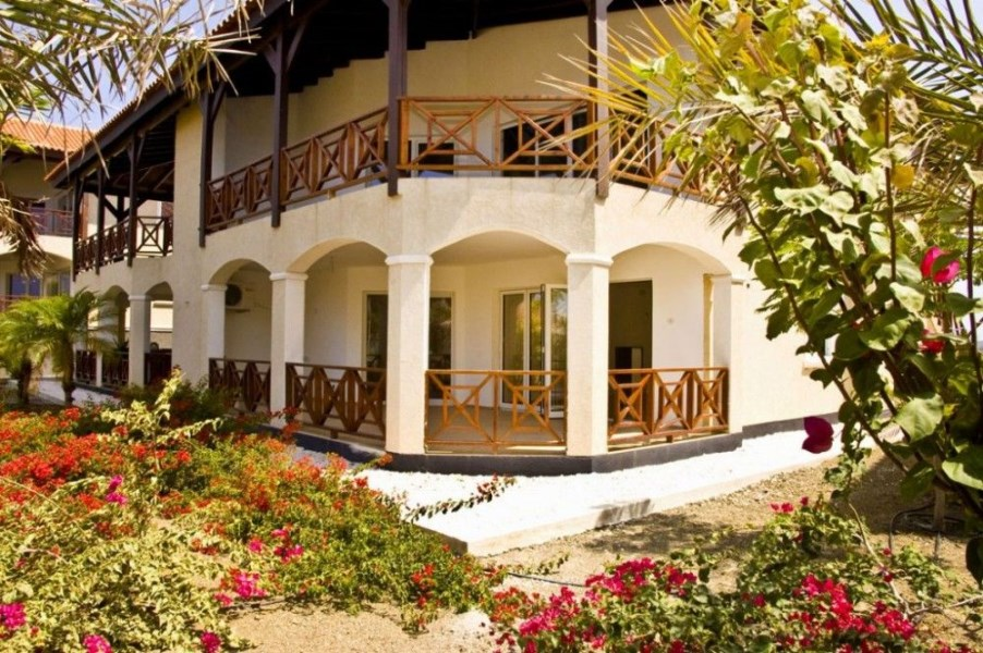 RE/MAX real estate, Curacao, Blue Bay, Blue Bay - Residence Le Bleu - Ground Floor Apartments For Sale