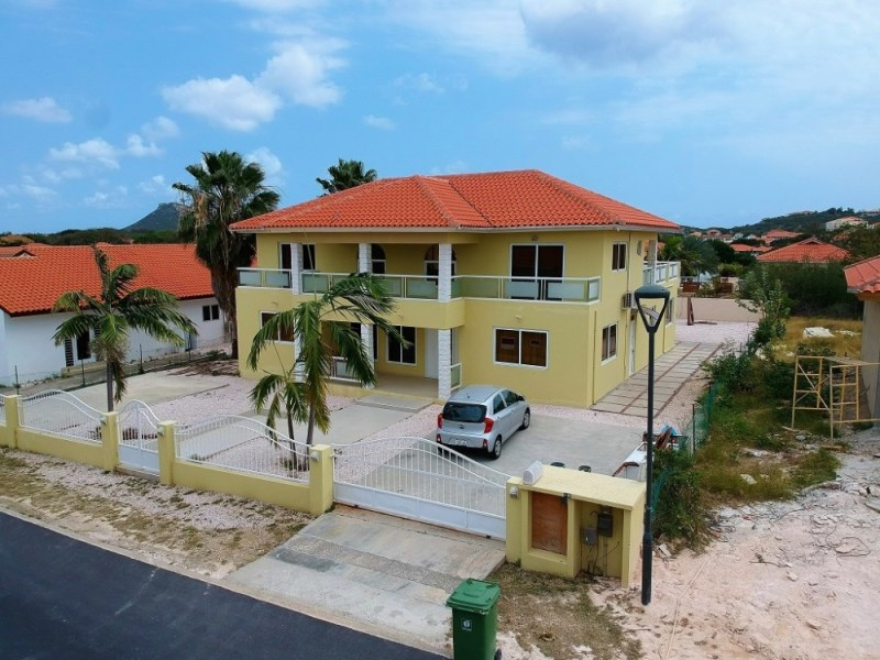 RE/MAX real estate, Curacao, Blue Bay Golf & Beach Resort, Golf & Beach Resort BL-83 - Beautiful home for sale in resort