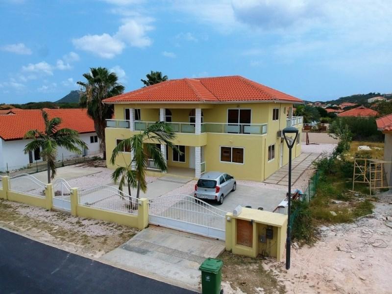 RE/MAX real estate, Curacao, Blue Bay Golf & Beach Resort, Golf & Beach Resort BL-83 - Beautiful home for sale in resort