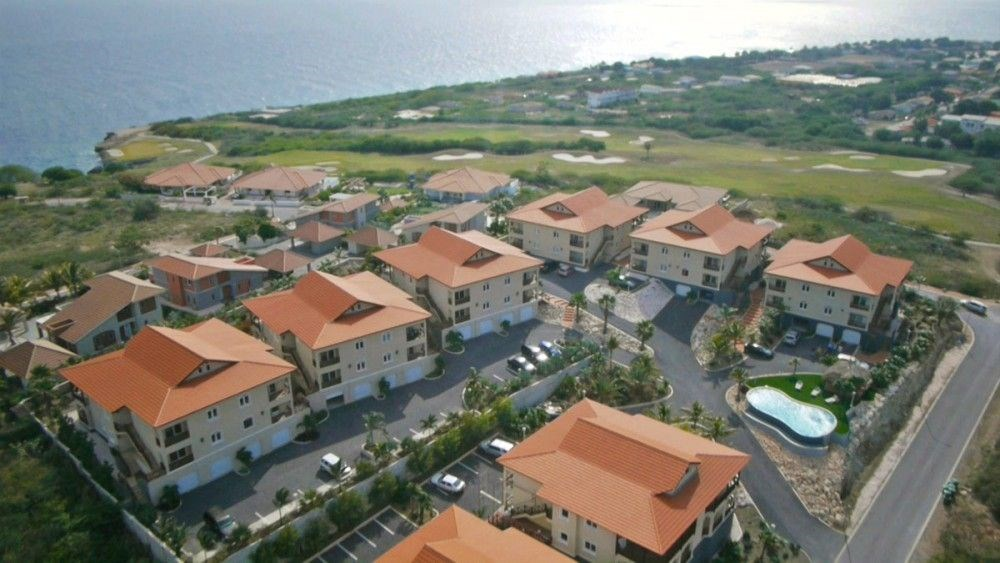 RE/MAX real estate, Curacao, Blue Bay Golf & Beach Resort, Residence Le Bleu - Blue Bay - Penthouse Apartments For Rent
