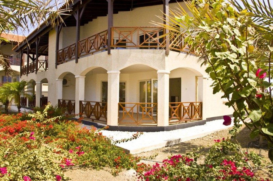 RE/MAX real estate, Curacao, Blue Bay Golf & Beach Resort, Residence Le Bleu - Blue Bay - Ground Floor Apartments For Rent