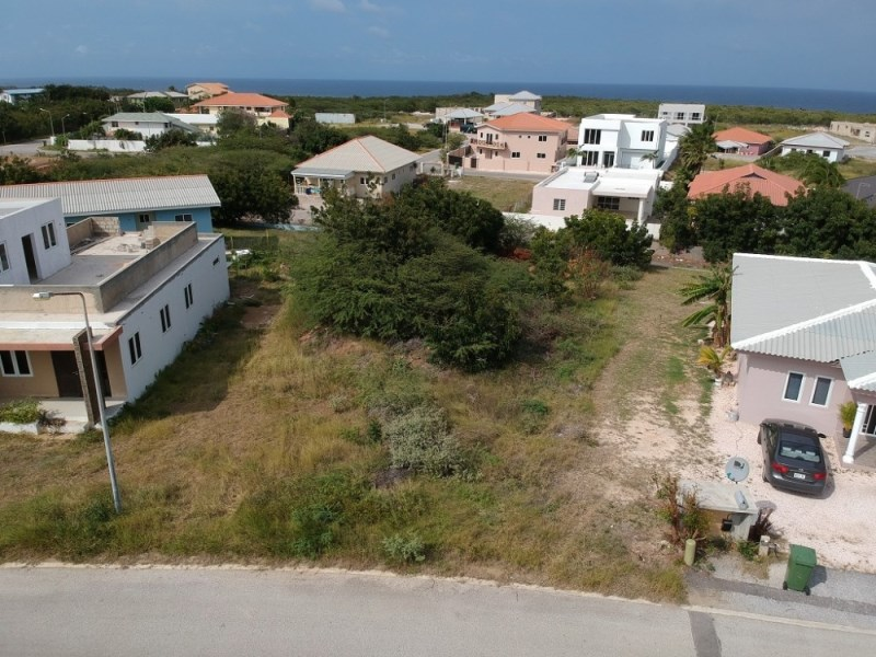 RE/MAX real estate, Curacao, Grote Berg, Grote Berg V-6, Curacao - large plot for sale in popular neighborhood