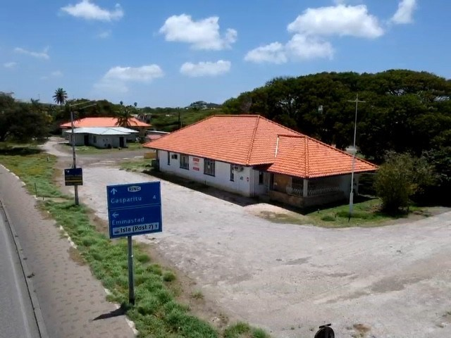 RE/MAX real estate, Curacao, Curacao, Schottegatweg noord – Centrally located commercial property for sale