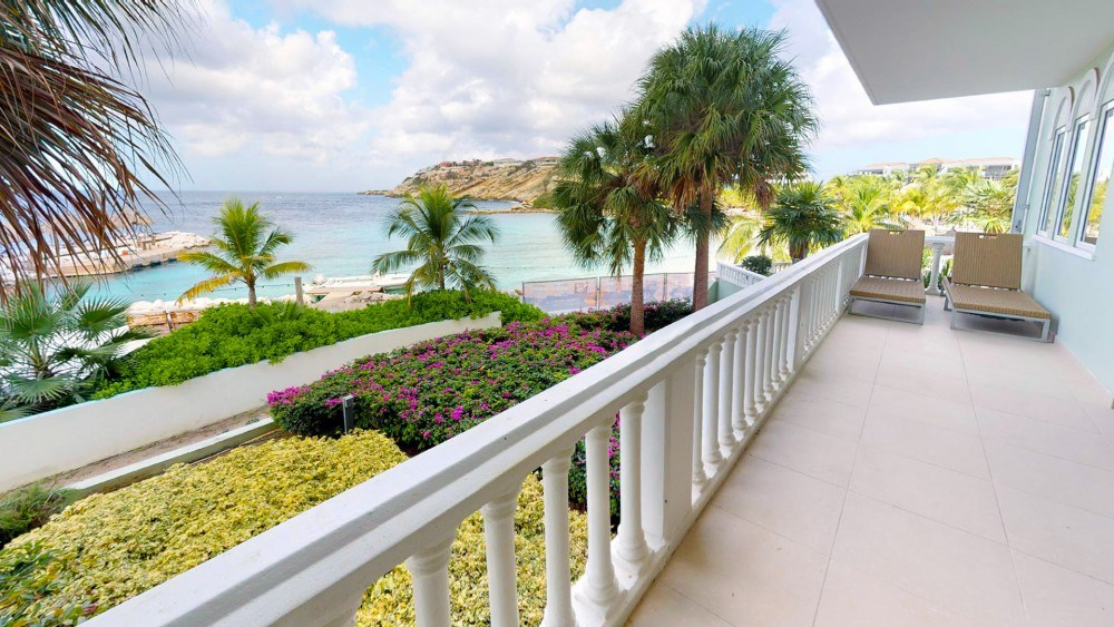 RE/MAX real estate, Curacao, Blue Bay, The Ocean 4: Luxury 2-bedroom apartment with beautiful sea view