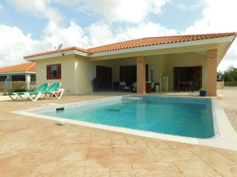 RE/MAX real estate, Curacao, Blue Bay Golf & Beach Resort, Blue Bay - Detached home with private pool