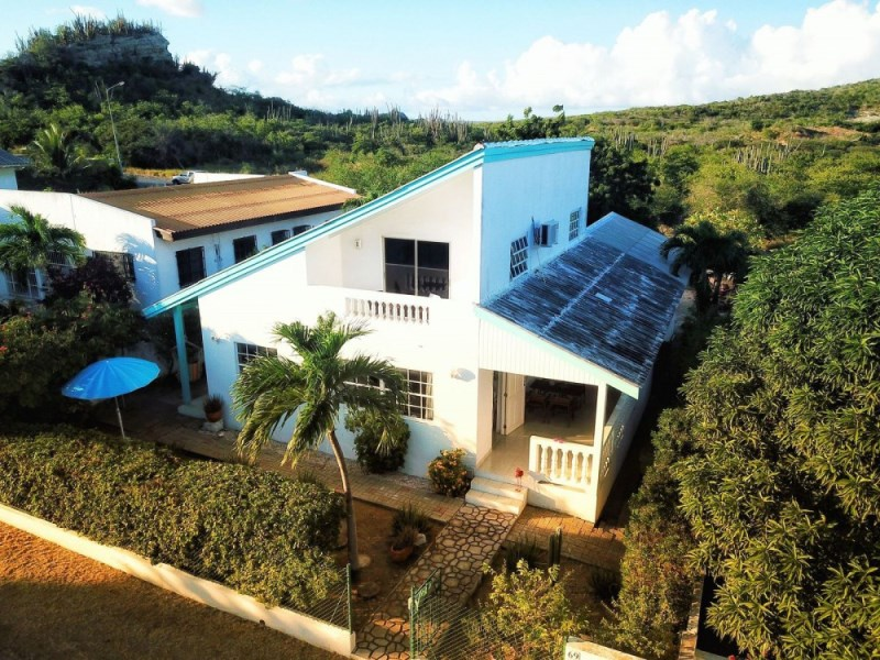 RE/MAX real estate, Curacao, Curasol, Curasol - Beautiful and recently renovated 3-bedroom house for sale