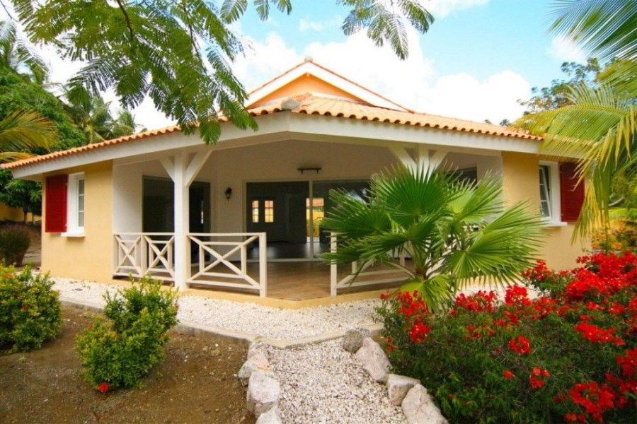 RE/MAX real estate, Curacao, Jan Thiel, Jan Thiel - Residencia Tropicana - Bungalow For Sale