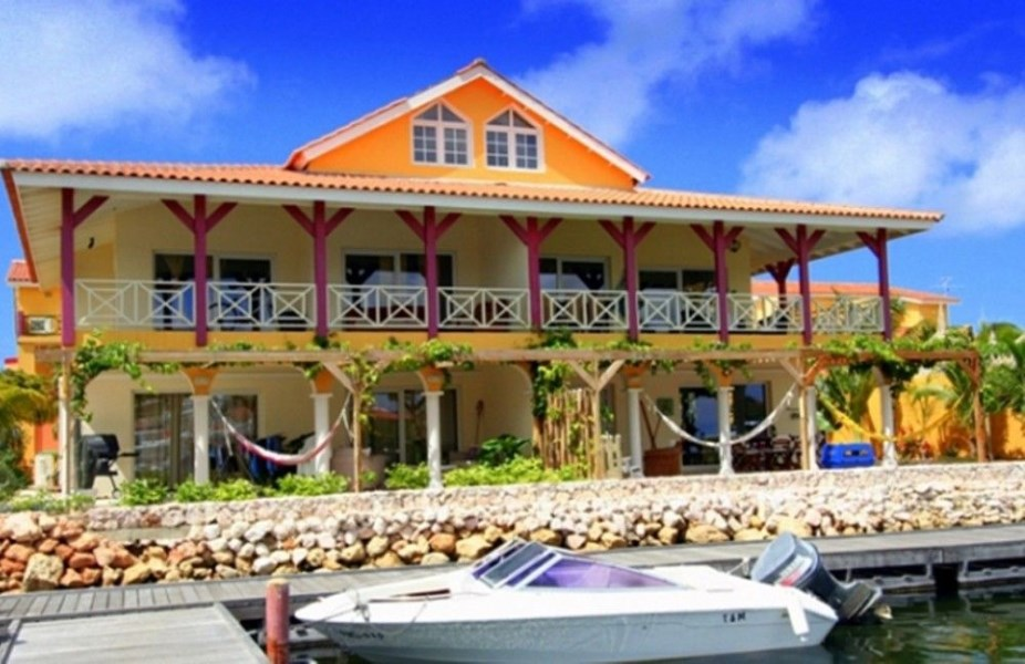 RE/MAX real estate, Curacao, Jan Thiel, Jan Thiel - Terrasse A La Mer - Waterfront Ground Floor Apartments