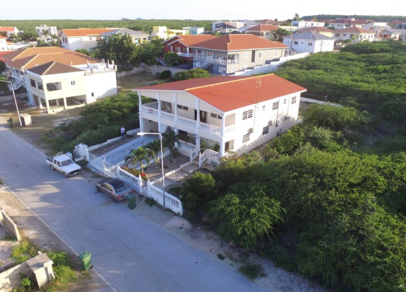 RE/MAX real estate, Curacao, Grote Berg, Grote Berg - Three bedroom home for sale with seaview and apartment