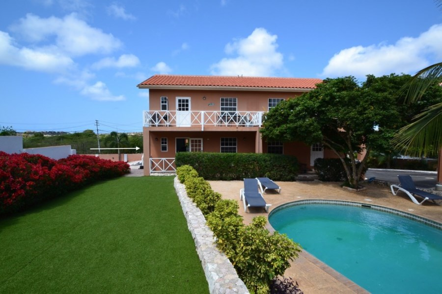RE/MAX real estate, Curacao, Bottelier, Bottelier - 2-bedroom apartment on gated resort with communal pool