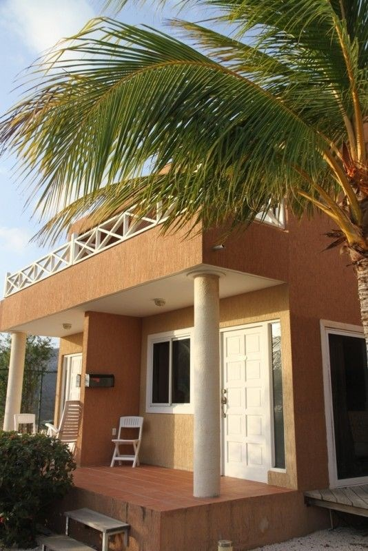 RE/MAX real estate, Curacao, Piscadera, Piscadera - Centrally located apartment with amazing sea view