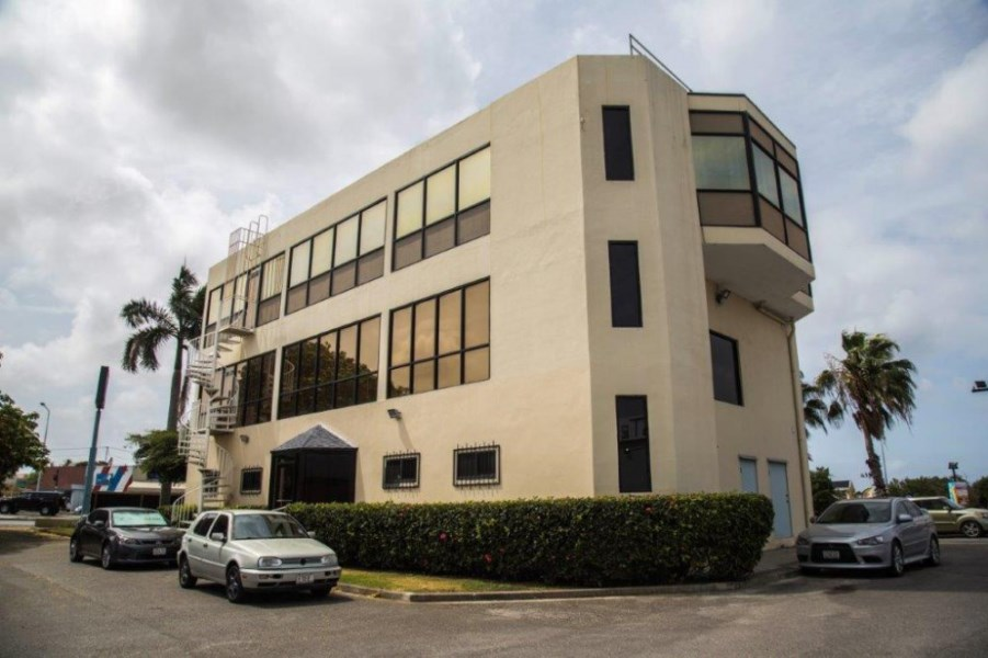 RE/MAX real estate, Curacao, Zeelandia, Schottegatweg Oost - Office building of 3 floors, more than 700 m2
