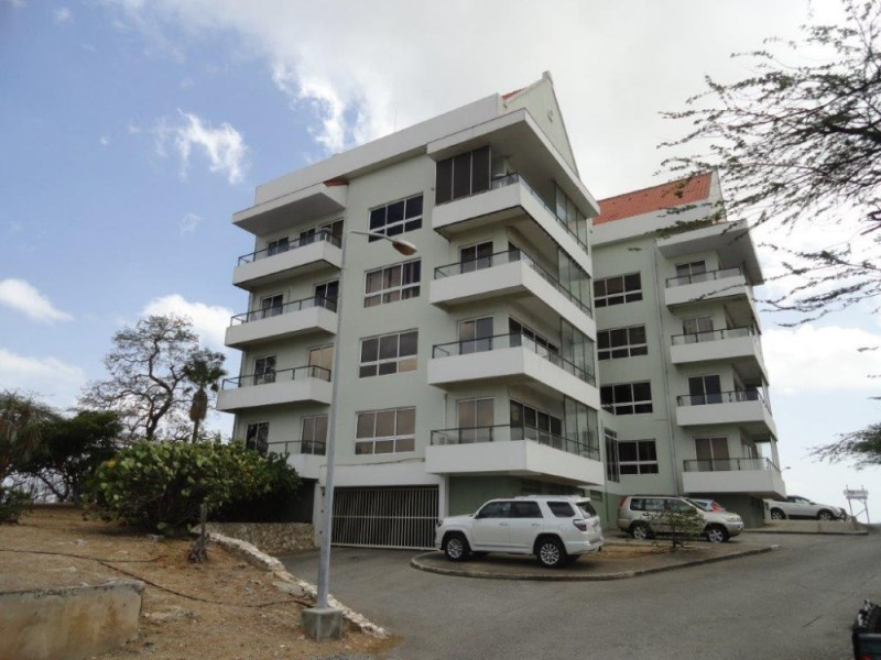 RE/MAX real estate, Curacao, Parera, Ara Hill Top Building – Modern office building starting ANG 1060,00 pm