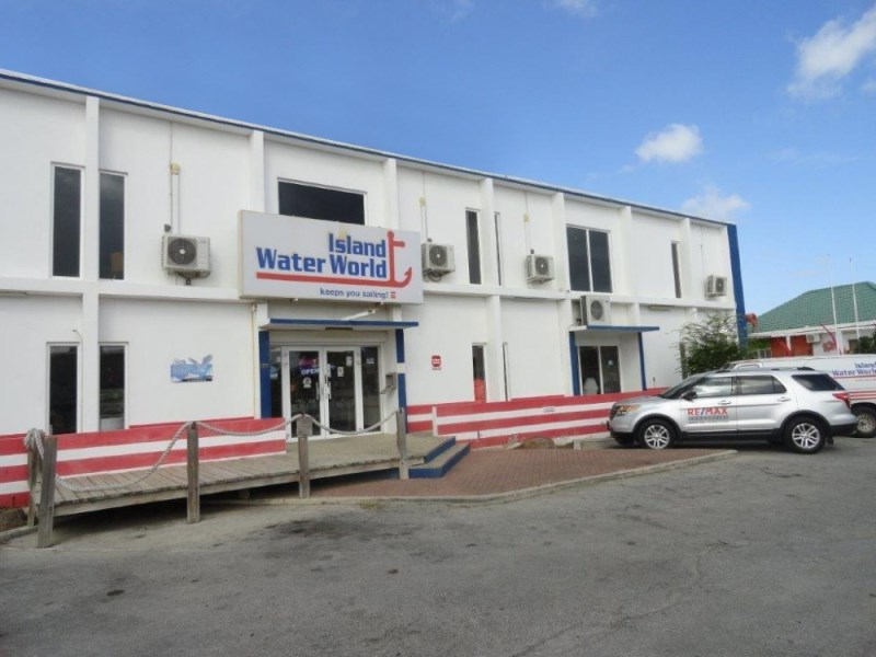 RE/MAX real estate, Curacao, Janwe, Janwe, Caracasbaaiweg 199 Modern office space from 42m2 per unit