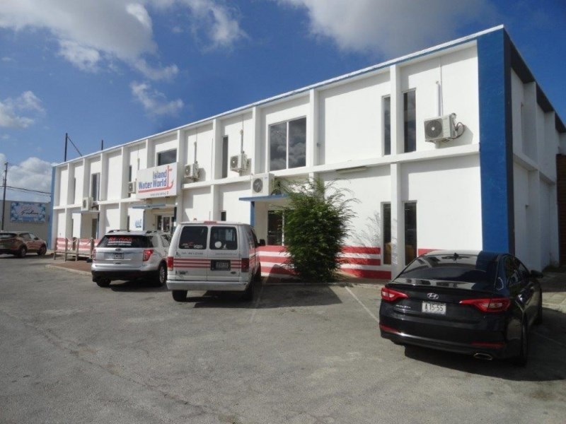 RE/MAX real estate, Curacao, Janwe, Janwe - Caracasbaaiweg 199 Multifunctional Retail Space of 650 m2