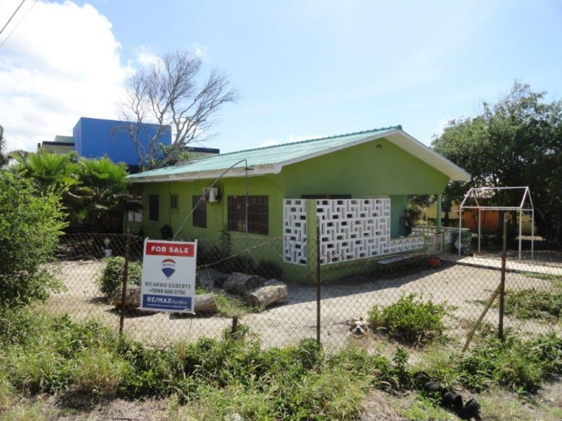 RE/MAX real estate, Curacao, Vredenberg, Vredenberg - detached family house with 3 bedrooms (rented)