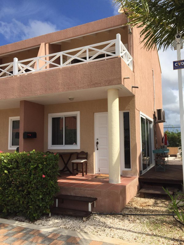 RE/MAX real estate, Curacao, Piscadera, PISCADERA - Centrally located apartment with swimming pool