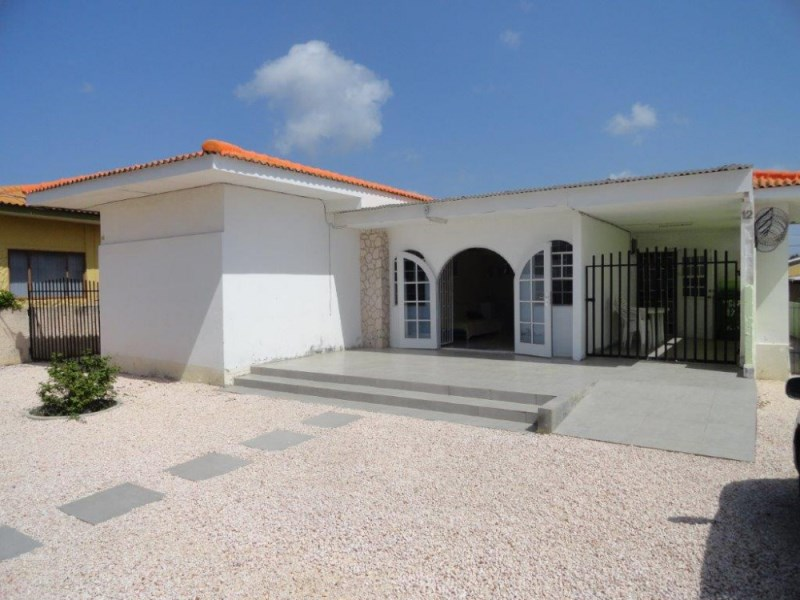 RE/MAX real estate, Curacao, Steenrijk, Steenrijk - Detached family home within walking distance of the beach