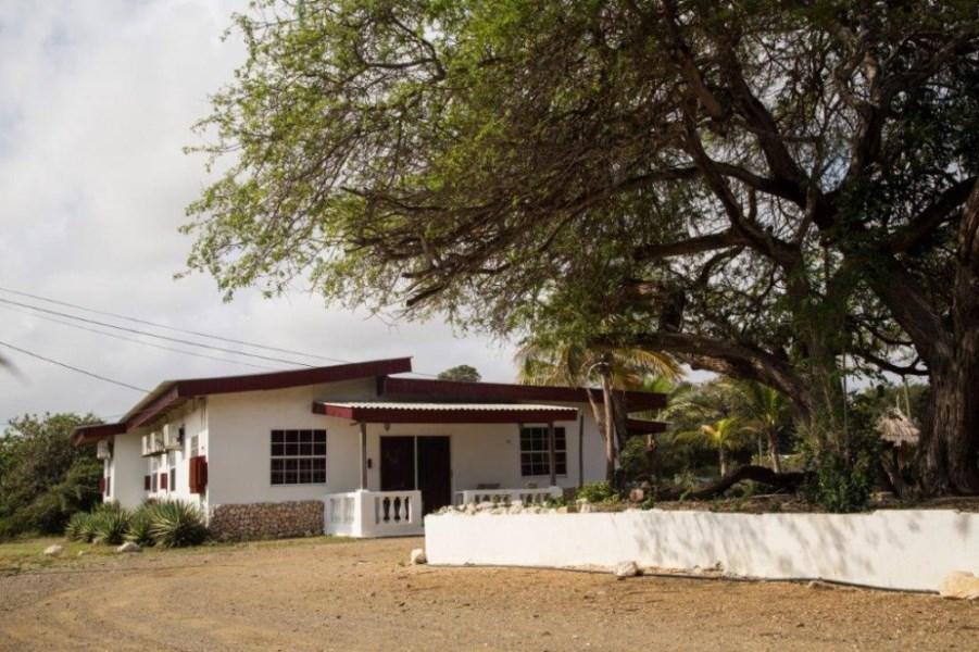 RE/MAX real estate, Curacao, Santa Rosa, Libier - Apartment complex on 2 spacious plots