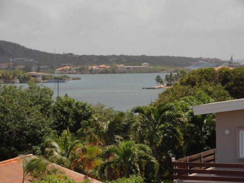 RE/MAX real estate, Curacao, Jan Sofat, Jan Sofat - Villa with view over the Spanish Water and the Tafelberg