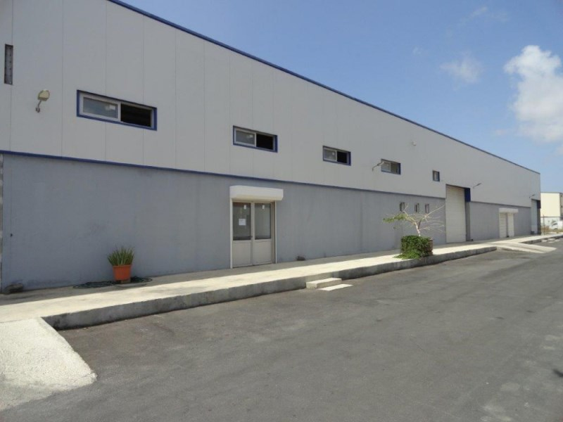 RE/MAX real estate, Curacao, Zeelandia, Nieuwe Haven, Business compound with modern Storage- Commercial Space.