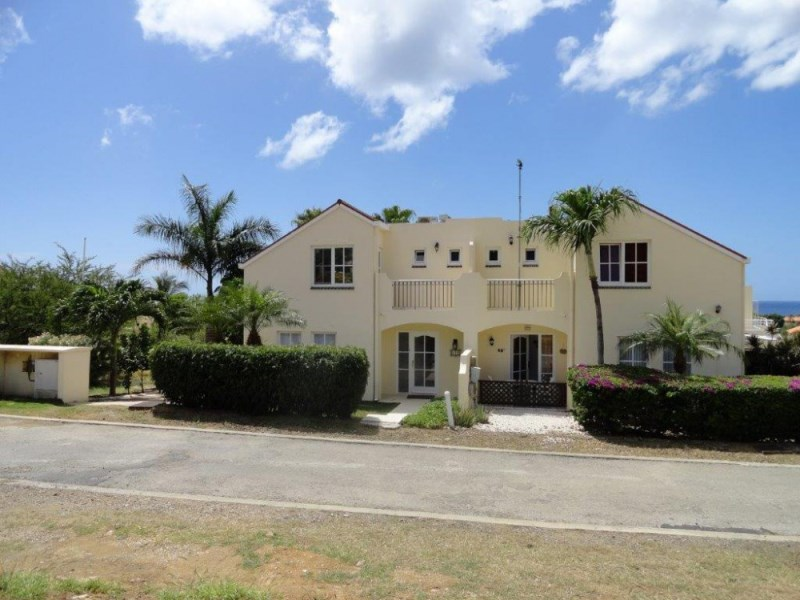 RE/MAX real estate, Curacao, Royal Palm Resort, Royal Palm - Modern apartment walking distance to the beach for sale