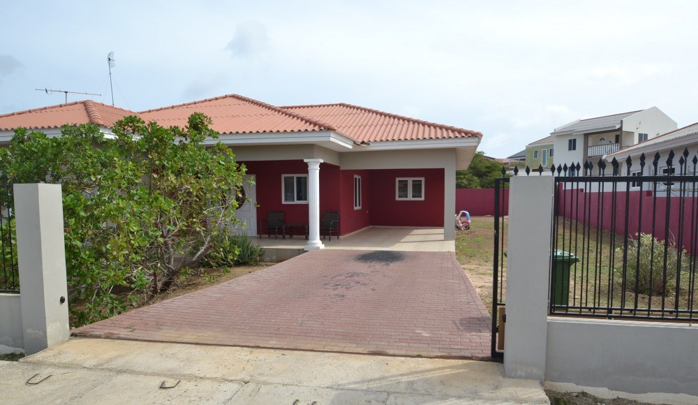 RE/MAX real estate, Curacao, Banda Ariba, Detached house in Rust en Vrede with 3 bedrooms