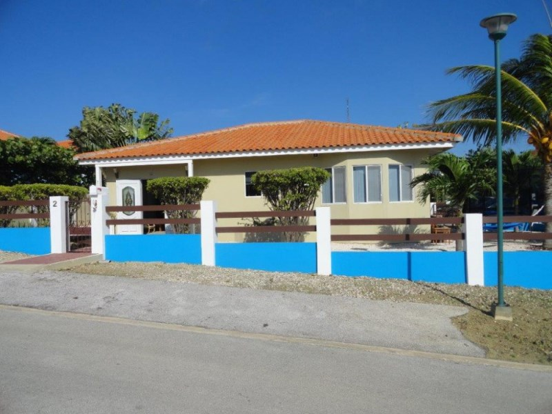 RE/MAX real estate, Curacao, Montana, Vista Montaña - detached family home with 3 bedrooms and 2 bathrooms