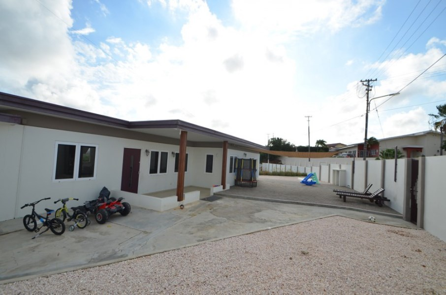 RE/MAX real estate, Curacao, Rooi Catootje, Phoenixweg 6 - Centrally located 4-bedroom Family Home for Sale
