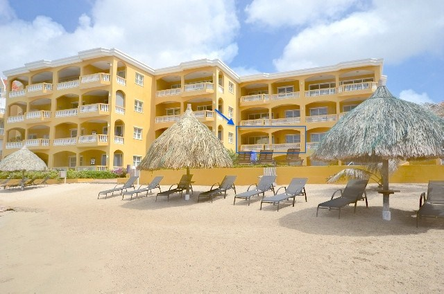 RE/MAX real estate, Curacao, Pietermaai, Pietermaai - Lovely apartment in The Strand Resort for sale