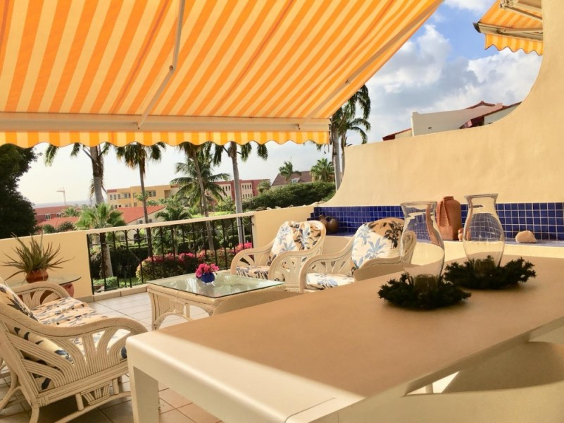 RE/MAX real estate, Curacao, Royal Palm Resort, Royal Palm Resort 26-E - 2 bedroom condo with large porch