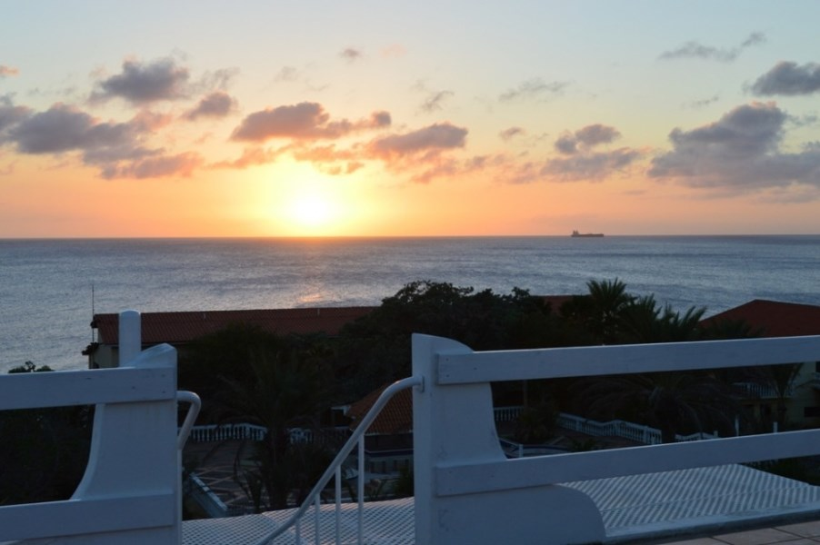 RE/MAX real estate, Curacao, Groot Santa Martha, Banda Abou - 3 bedroom furnished home for rent with sea view!