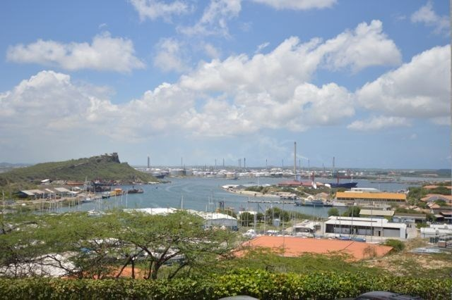 RE/MAX real estate, Curacao, Punda, Ara Hill Top Building: nice office spaces with great views
