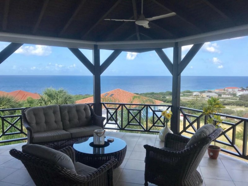 RE/MAX real estate, Curacao, Blue Bay, Blue Bay Resort - Penthouse with breathtaking seaview on Golf Course